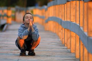 http://2.bp.blogspot.com/_Em-E9xf3MYI/Sa19CsY8oqI/AAAAAAAAA9o/qFAEJVNj7m4/s400/nino-rezando.jpg