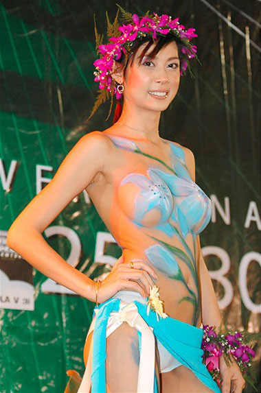 Various best of body painting art indonesian women body for Best body paint pics