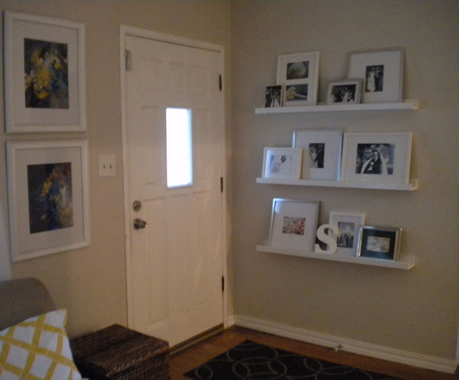 Chic Little House: An Inviting Entryway { Updated