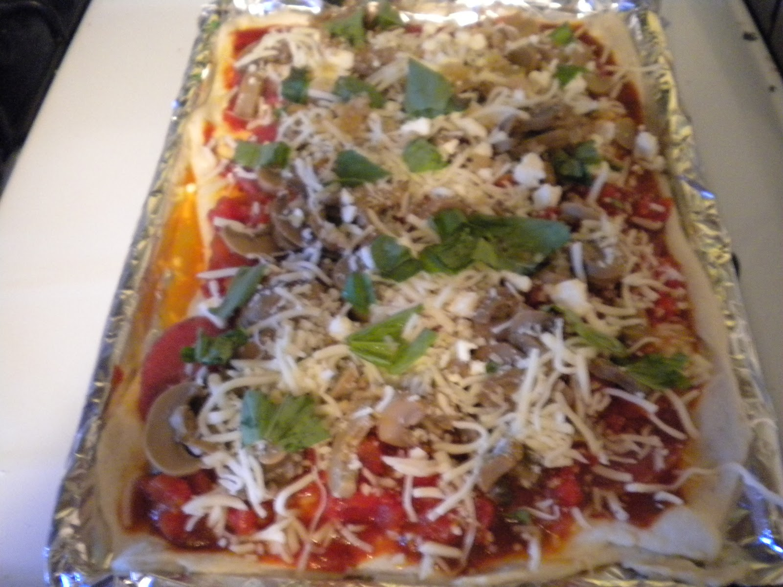 how to make garden salad pizza