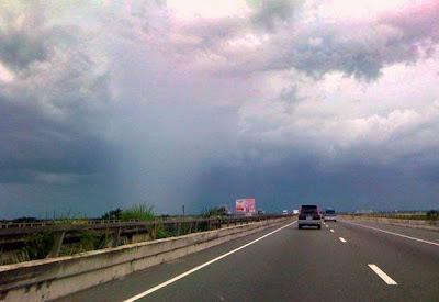 Bulacan, Tornado, Huge, ipo ipo, buhawi, guiguinto, balagtas, august 16 2009