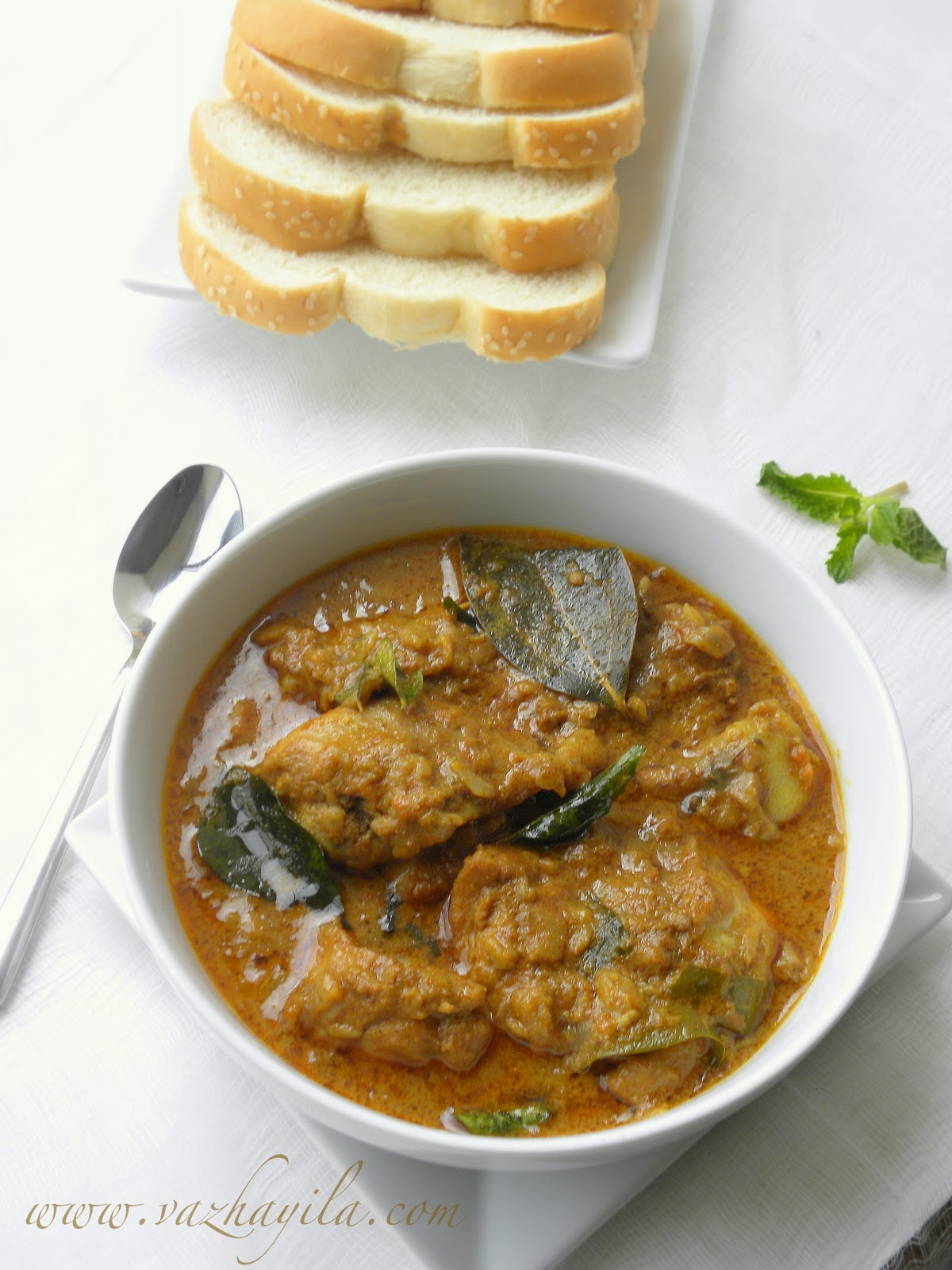 Vazhayila.com: Chicken curry with coconut milk