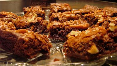 Uncommon Artistic Endeavors: Pecan Fudge Brownies
