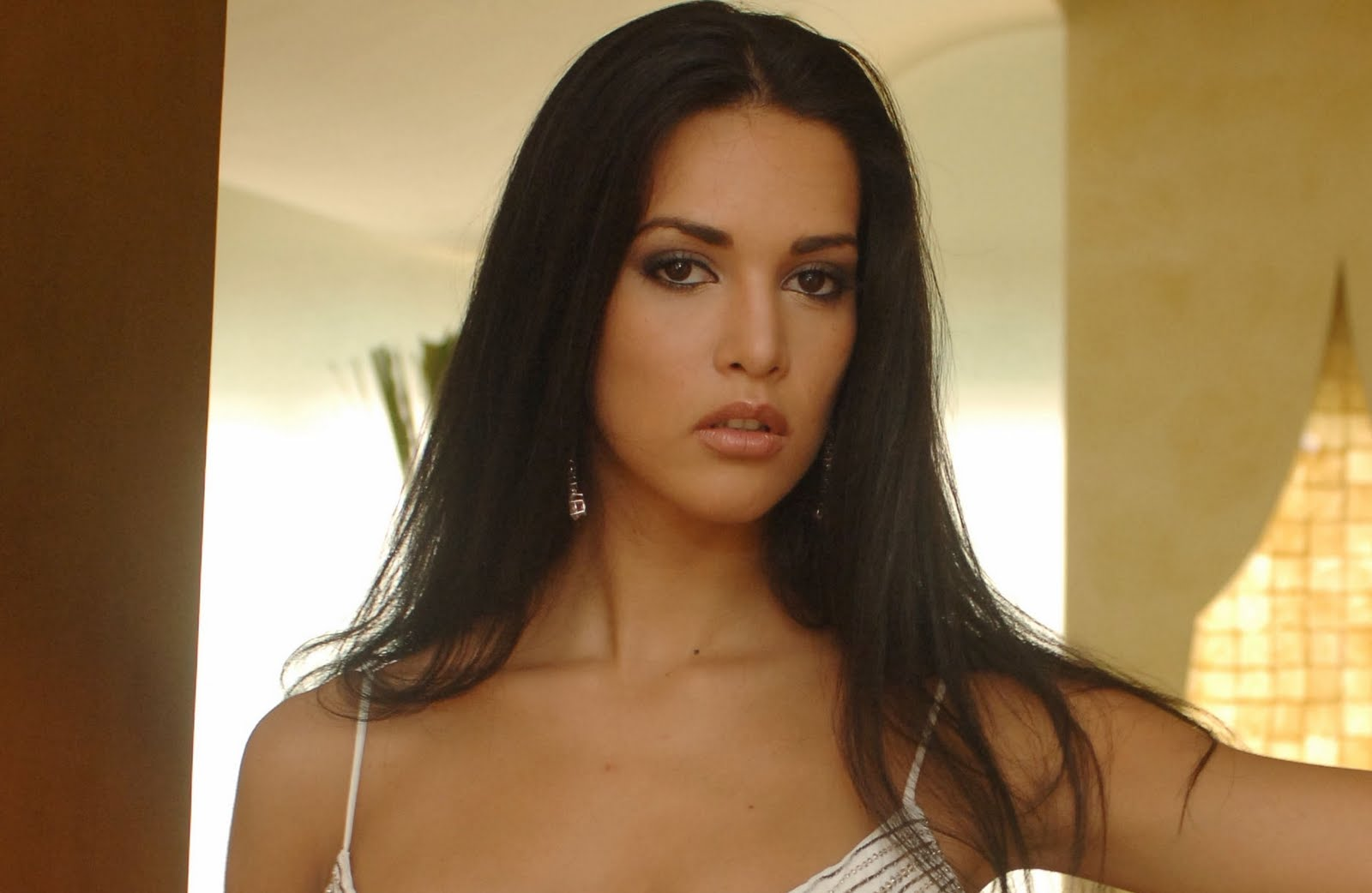 http://2.bp.blogspot.com/_Eozw05WBJ0o/TGzcuYpKs5I/AAAAAAAABTg/7Tj8FhIoMXg/s1600/2005+Mónica+Spear+Mootz.jpg