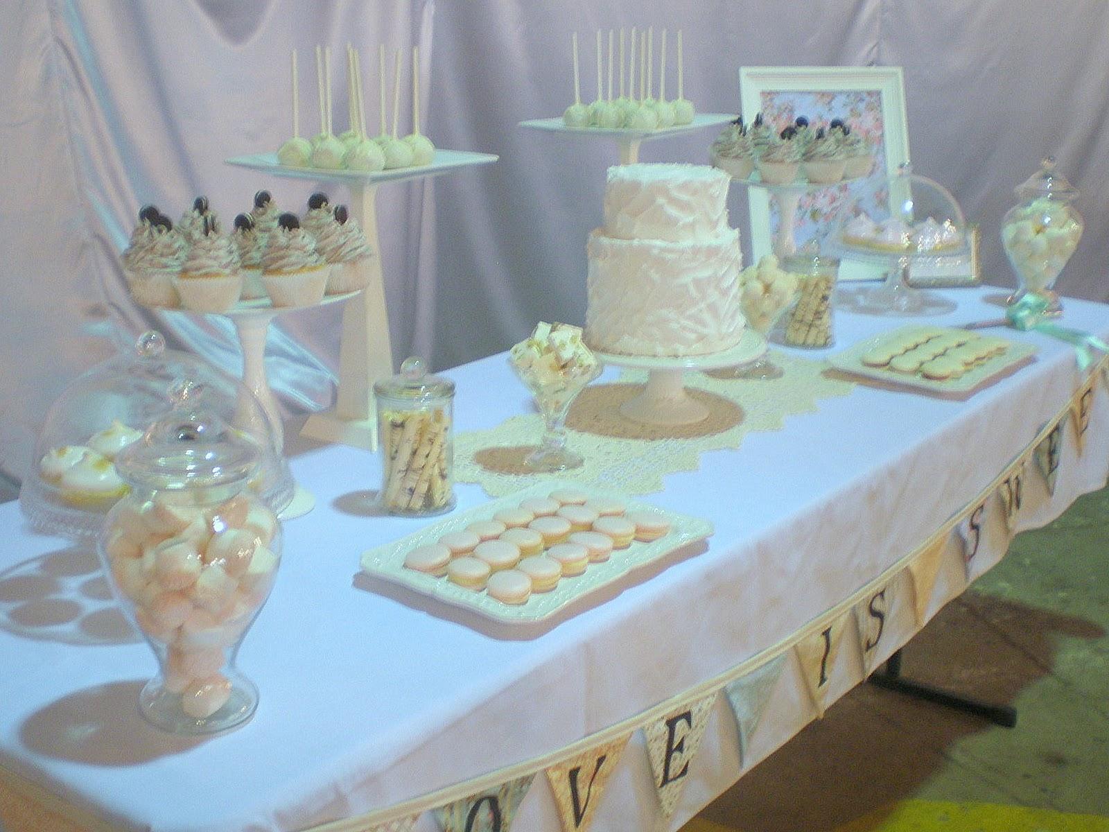 sugar siren cakes mackay october 2010. Black Bedroom Furniture Sets. Home Design Ideas