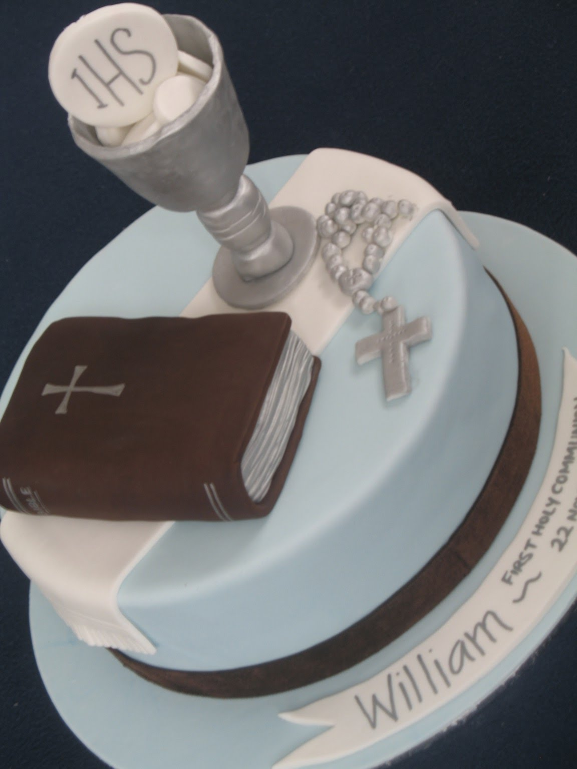First Communion Cake Images : Blissfully Sweet: First Holy Communion Cake