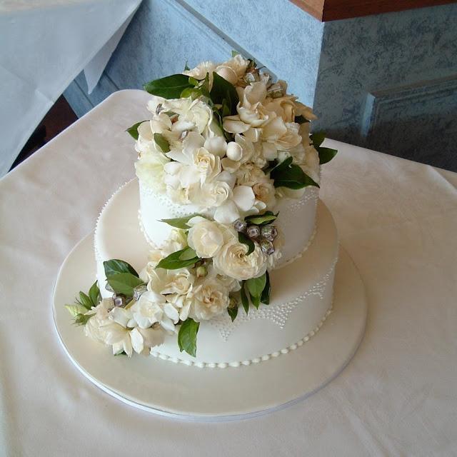 Wedding Cake Enchantress Fresh Flowers On Wedding Cakes Blacktown