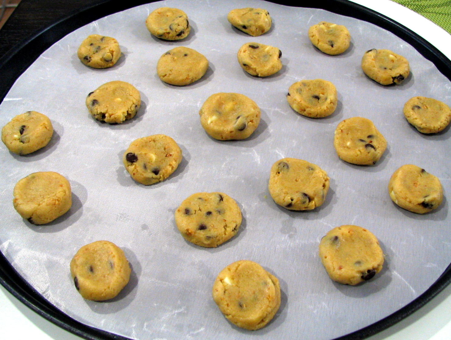 the batter baker: Crisco Chocolate Chip Cookies