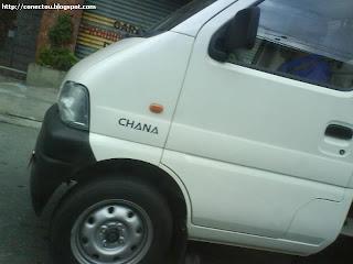 Cada tipo de carro hein...Esse é o CHANA! Conhece?!