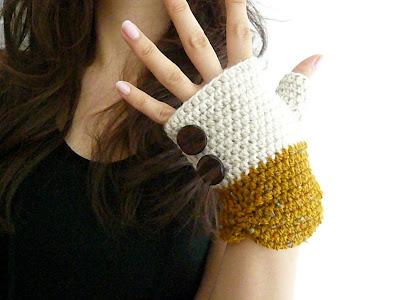 Crochet Videos - How To Crochet Fingerless Gloves - Visual Crochet