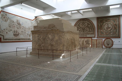 El Museo del Bardo (فإن الشاعر) Sala del mausoleo