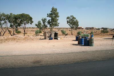 Gasolina de Libia en las carreteras de Tunicia