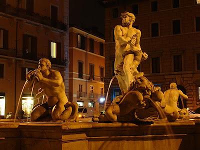De noche en la Fontana del Moro