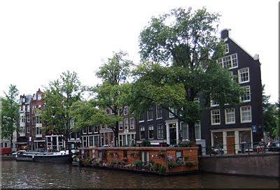Muchos viven en casas flotante