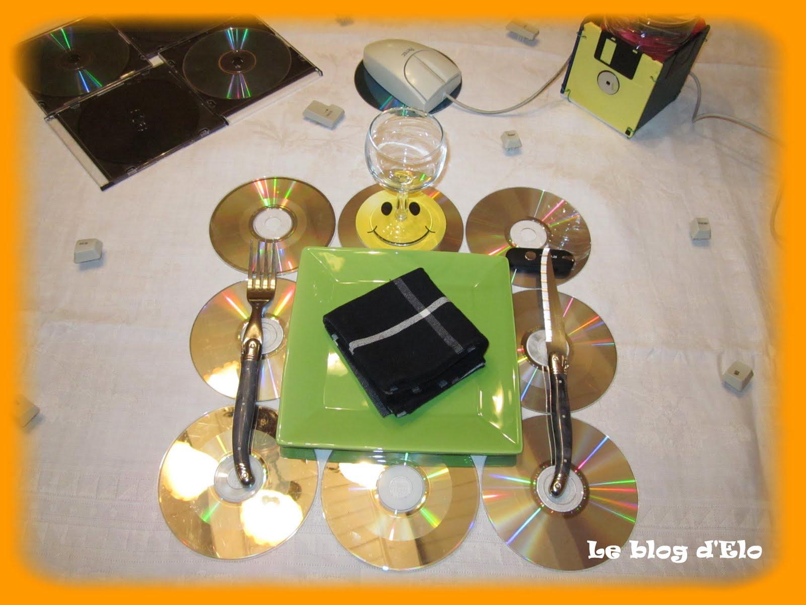 LE BLOG DELO Déco de table Informatique -> Table Tv Avec Porte Cd