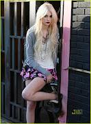 Material Girl com Taylor Momsen
