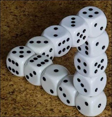 Impossible Dices Triangle Optical Illusion