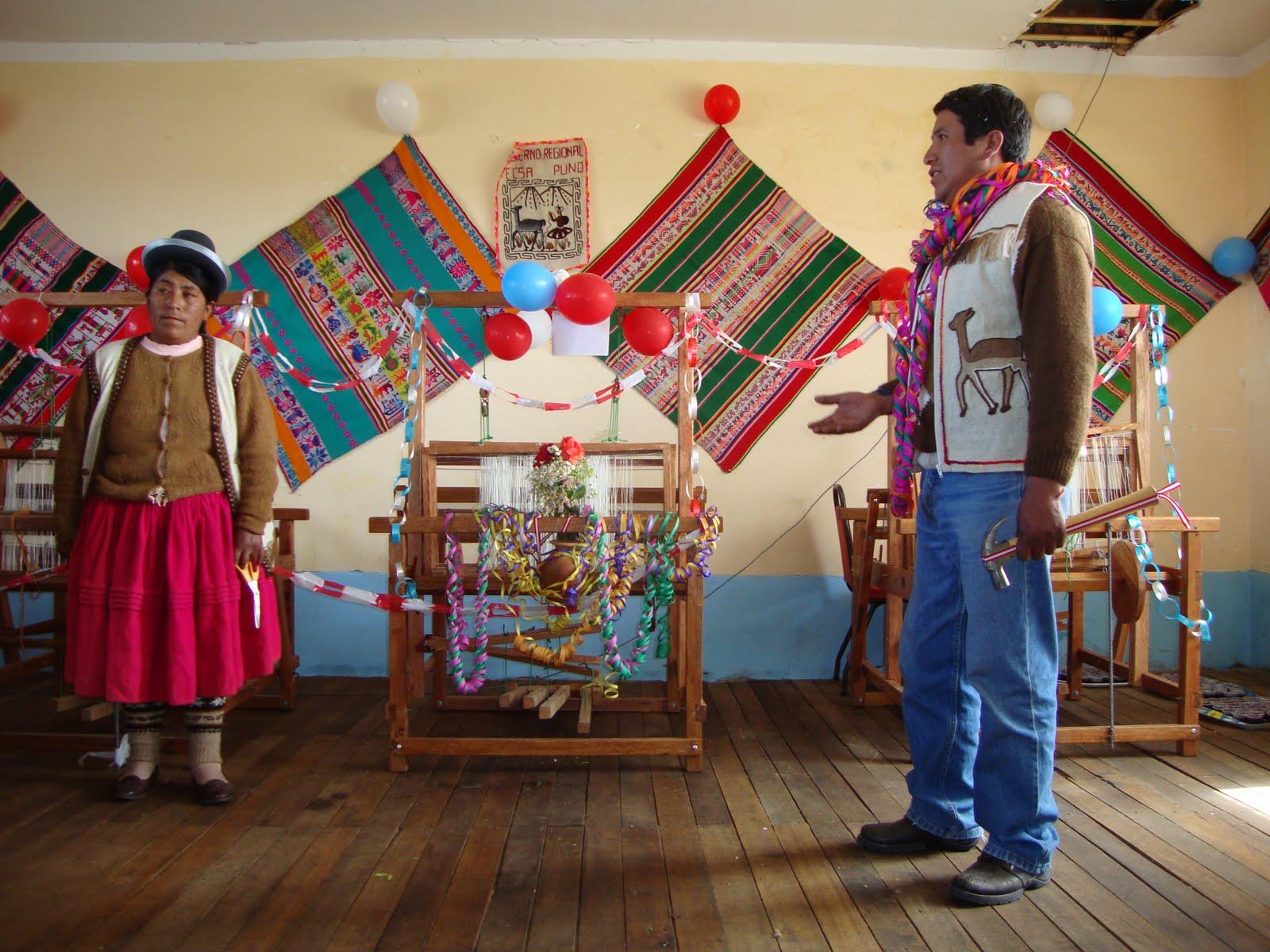 Corporaci n radial puno gobierno regional entreg for Talleres artesanales