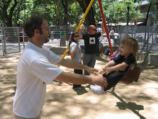 Con el tío V en la plaza
