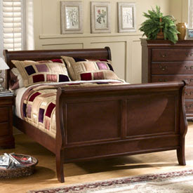 Never Ending Yard Sale Queen Size Sleigh Bed $100 OBO