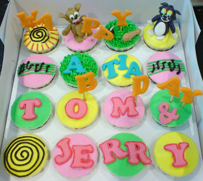 De Starry Cupcakes TOM AND JERRY CUPCAKES 2