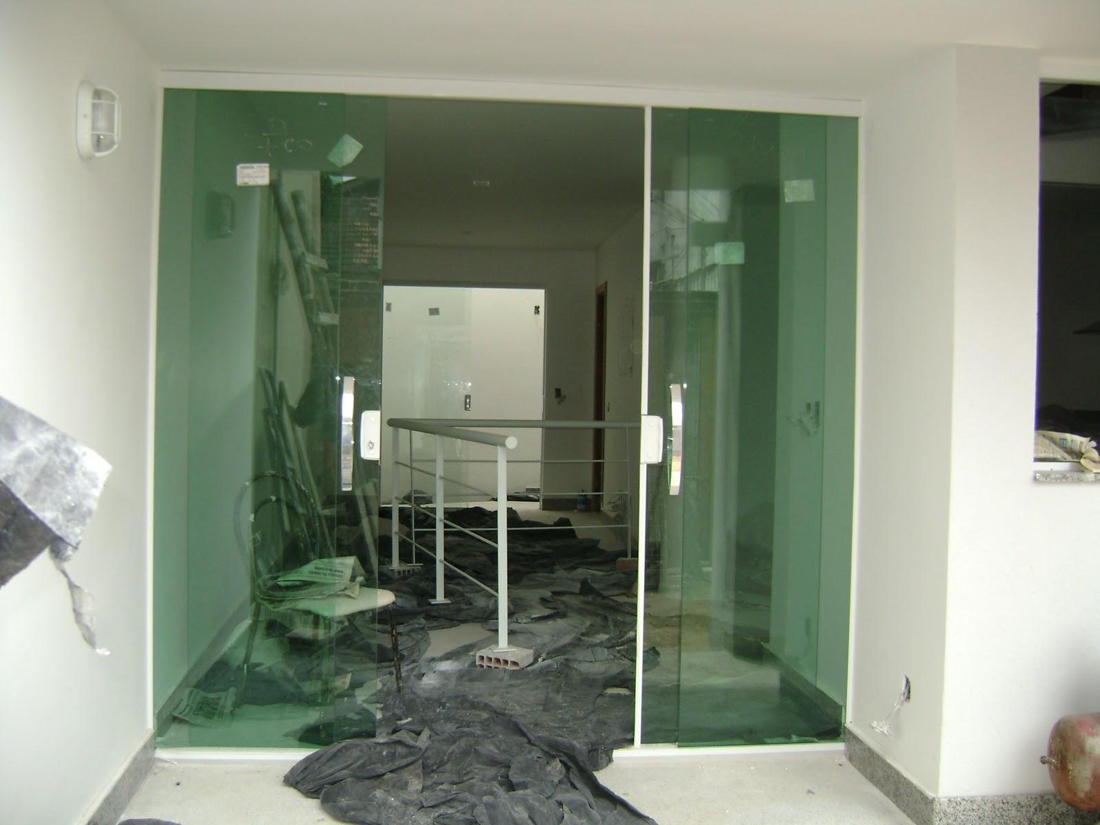 #664930 Porta da sala o vidro temperado confere ainda mais 420 Janelas De Vidros Gabriel Diniz