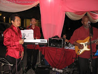 Dato Leonard Tan was the guest singer at this wedding event