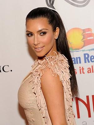 kim kardashian makeup lesson. kim kardashian makeup artist.