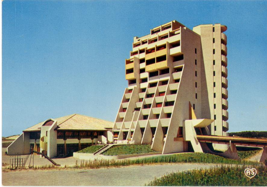 Architectures de cartes postales 1 p pites fran aises for Piscine tournesol sens