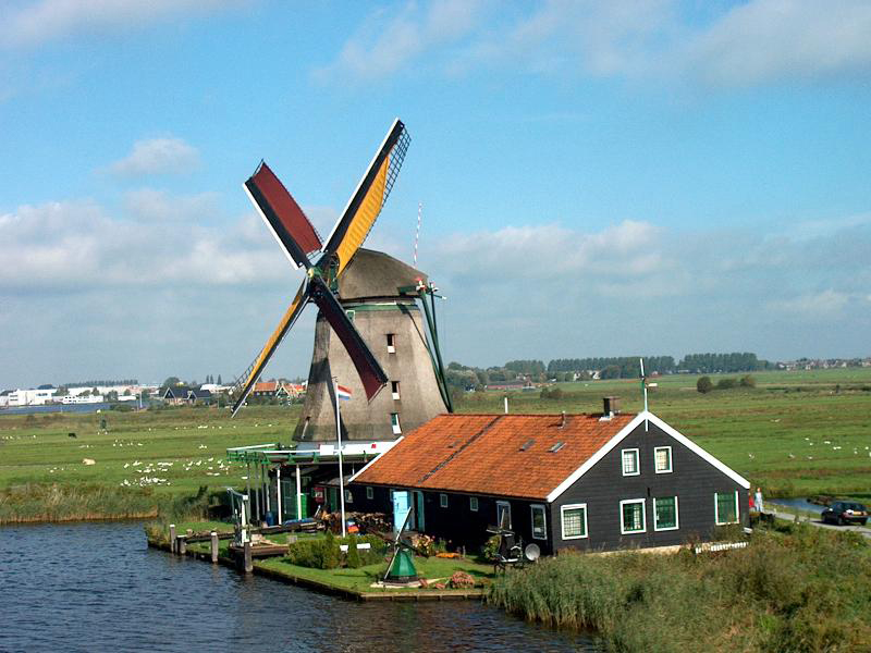 Flat stanley mhs stanley travels to amsterdam for Farm house netherlands