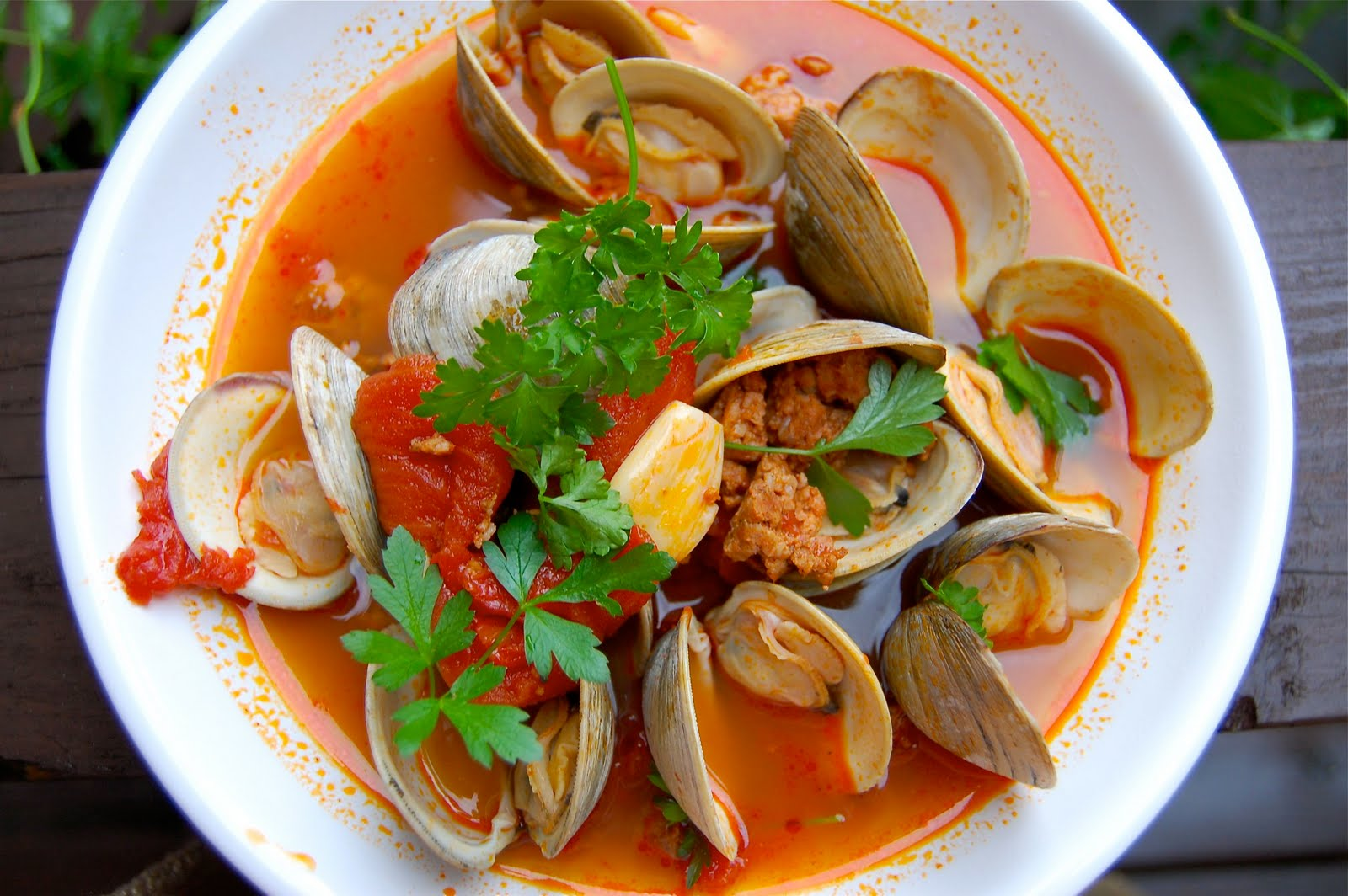 amanda mcclements & metrocurean: Recipe: Clams and Chorizo
