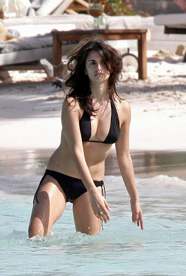 Penelope Cruz hot bikini model