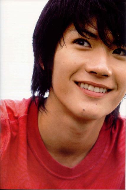 [Изображение: miura-haruma-photobook-tabun-028.jpg]
