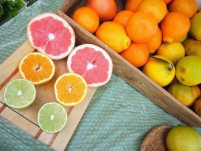 Fresh citrus at the Holualoa Farmers Market