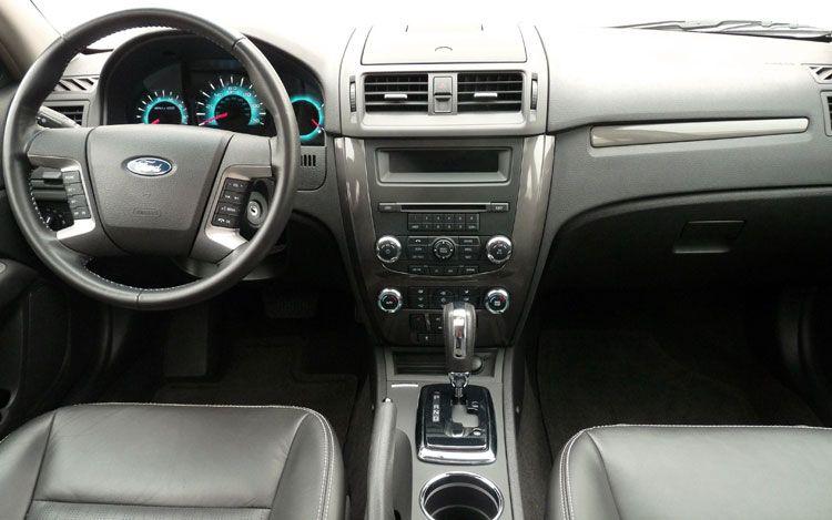 the poor car reviewer 2010 2011 ford fusion se sel v6. Black Bedroom Furniture Sets. Home Design Ideas