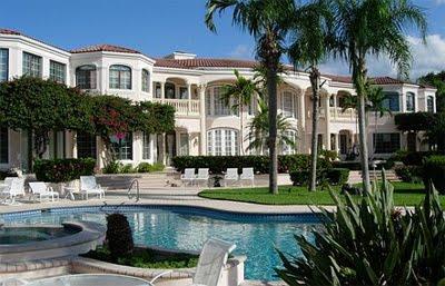 Amor totalmente proibido casa das cyrus gomez em nova for Fotos de piscinas modernas en puerto rico