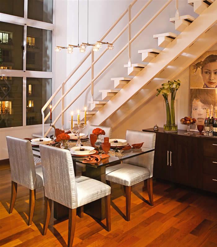 Fotos De Escadas Na Sala De Jantar ~ Bufet da sala de jantar pode ser acomodado sob a escada;