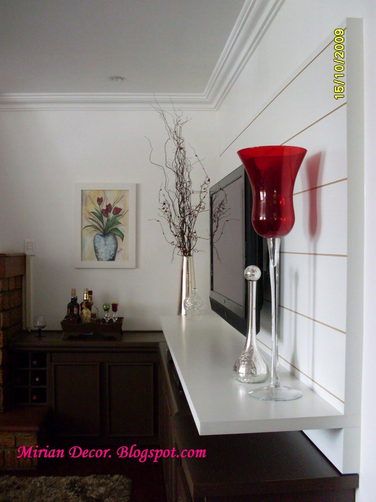 Painel De Madeira Com Flores Ideias Para Decorar Banco De Imagem  -> Vasos Na Sala De Tv