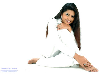 TOllywood actress Sneha Wallpaper