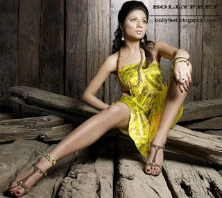 Hot Indian Model Leg Show