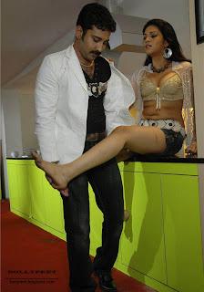 Hot telugu star Shraddha Das HQ photo