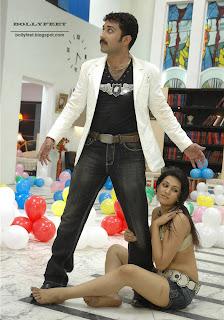Sexy leg show by Shraddha Das