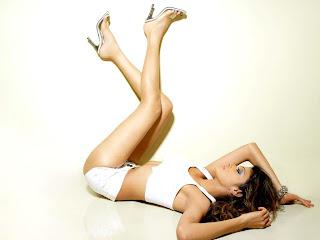 Mona Chopra sexy legs