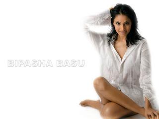 Bipasha Basu sexy legs