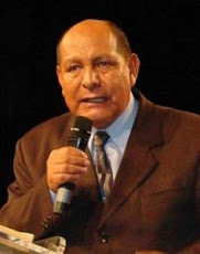Pr. Alejandro Bullon