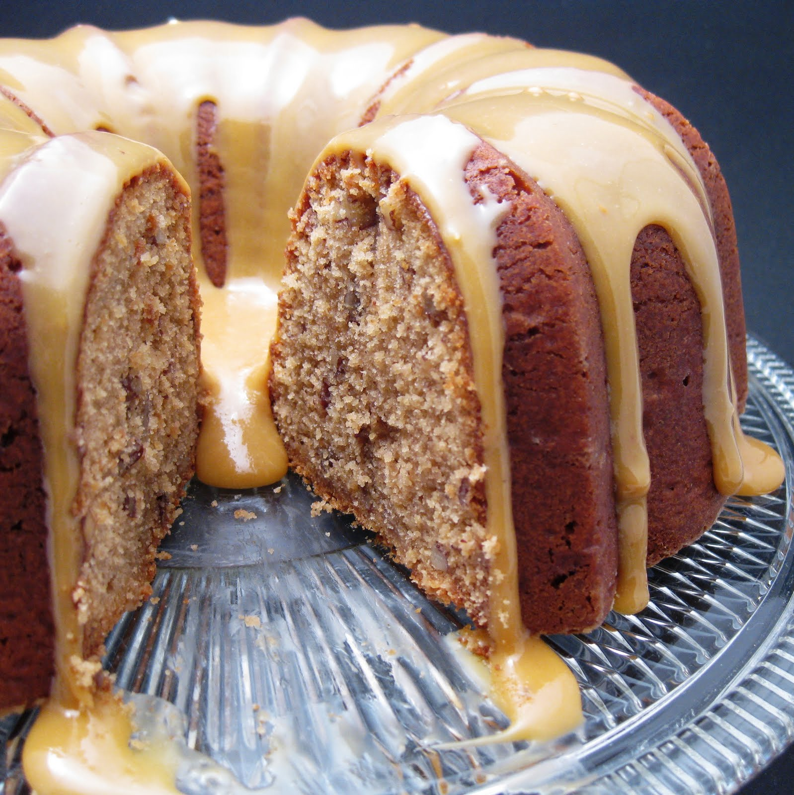 JULES FOOD...: Paula Dean's Brown Butter Pecan Cake