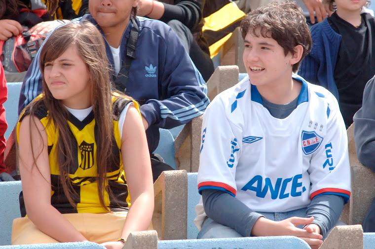 LAS HINCHADAS.......MAS DEL CLASICO DE URUGUAY