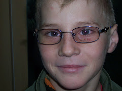 Alexandru con i nuovi occhiali