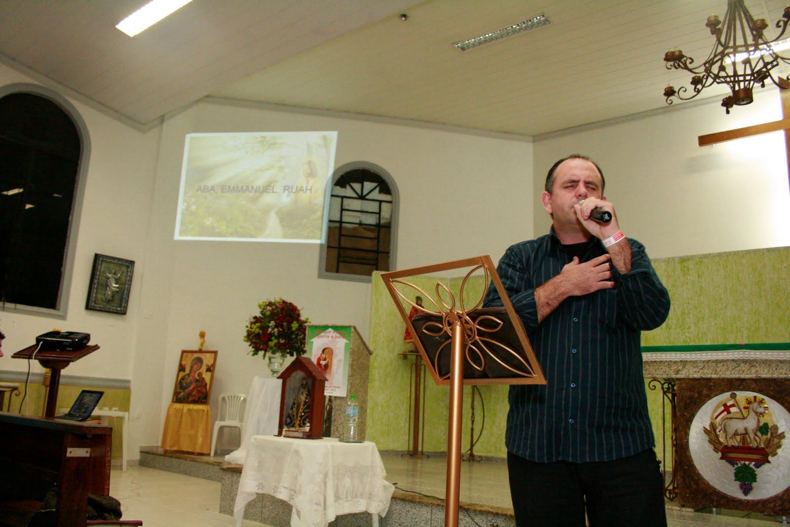Ralf Berndt  Pregador do movimento eclesial  Renovação Carismática Católica !