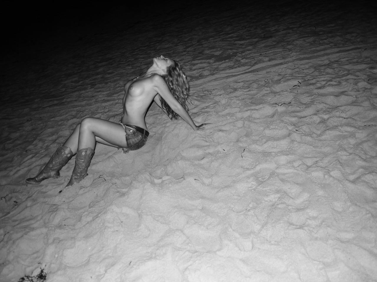 http://2.bp.blogspot.com/_FEkxtl1-FKs/THKPbBAlB8I/AAAAAAAAAFY/nBKohcNqPWY/s1600/An+American+dream,+Fire+Island.+Photo+Olivier+Zahm.jpg